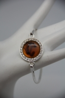 "amber color bracelet with a ""hook"" closure JB5683STSCR"